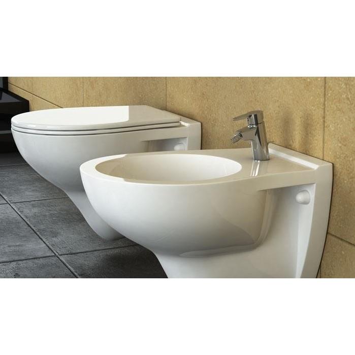 Ceramica stile wc con sedile e bidet sanitari sospesi for Prezzi sanitari sospesi